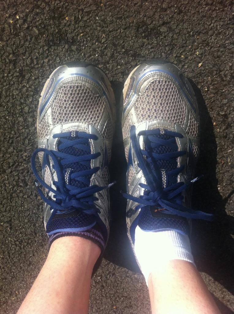 Running, trainers, feet, training