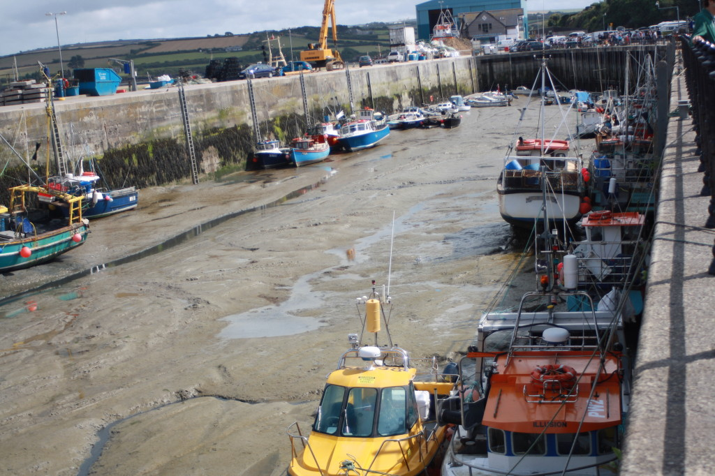 Boats, Padstow, low tide, 365