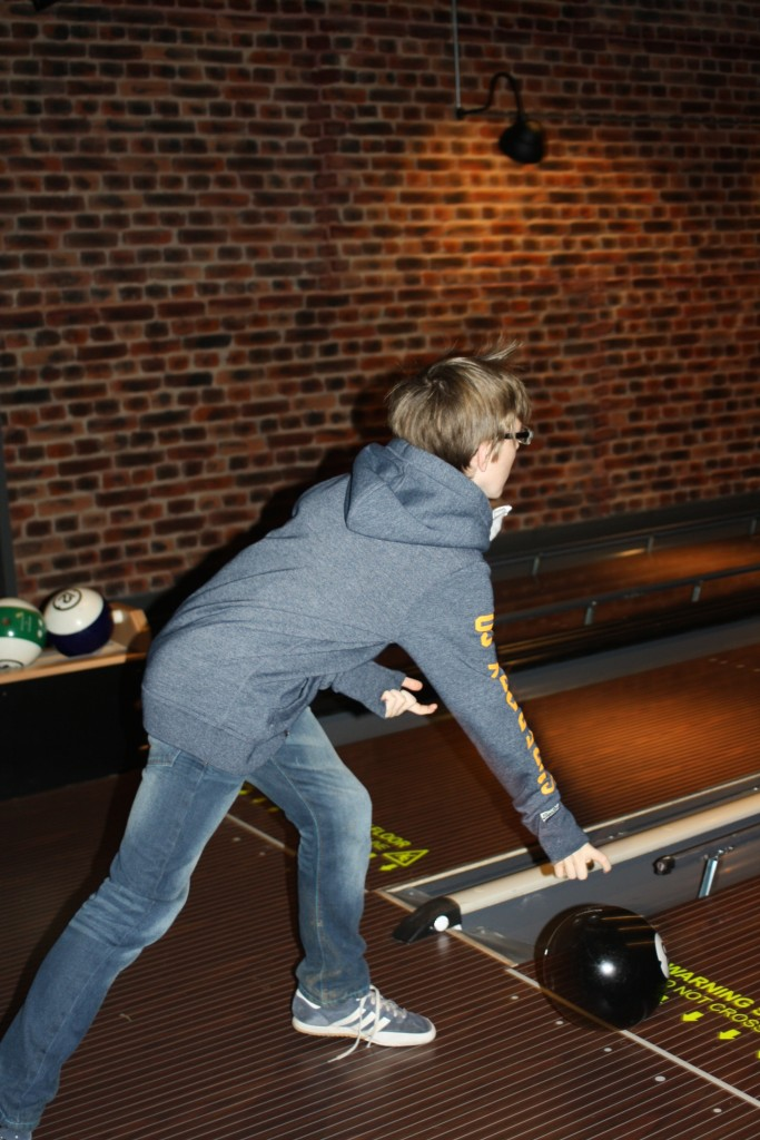 Bowling, Son, Boxing Day