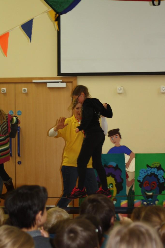 Circus skills, Daughter, School, Tightrope