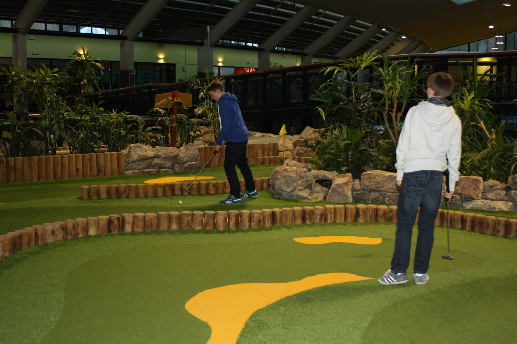 Indoor golf, Indoor putting, Sons, Center Parcs, Center Parcs activities, Family, Holiday