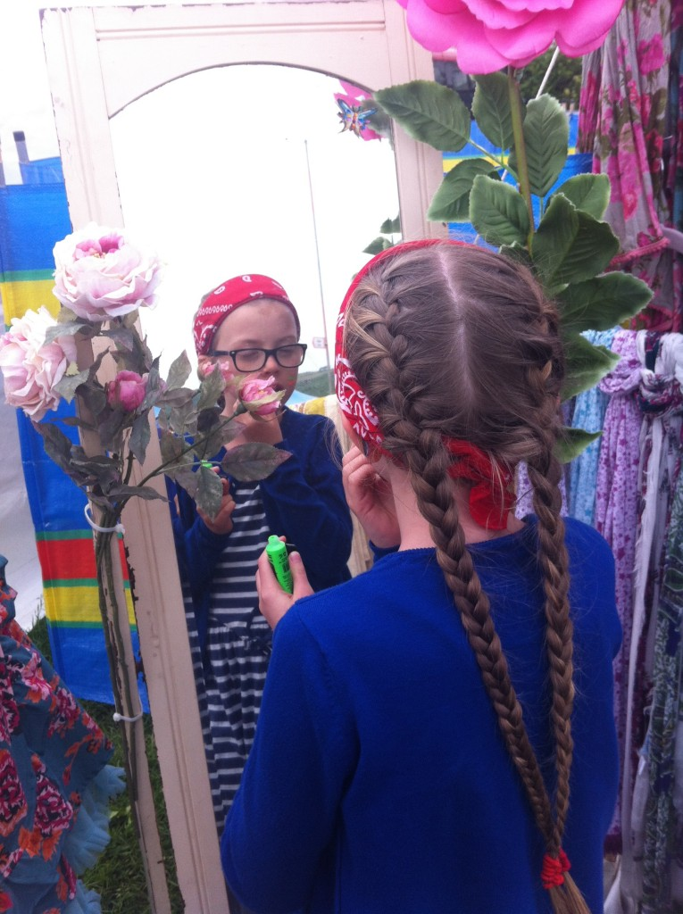 Daughter, Mirror, Wychwood Festival, Silent Sunday, My Sunday Photo