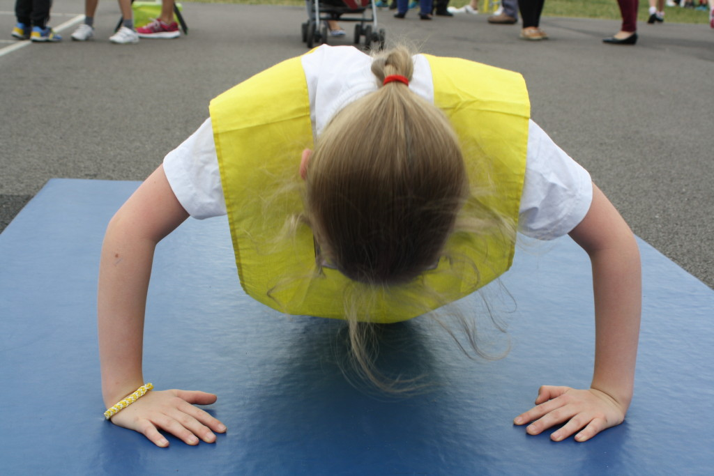 Press-up, Daughter, Sports day