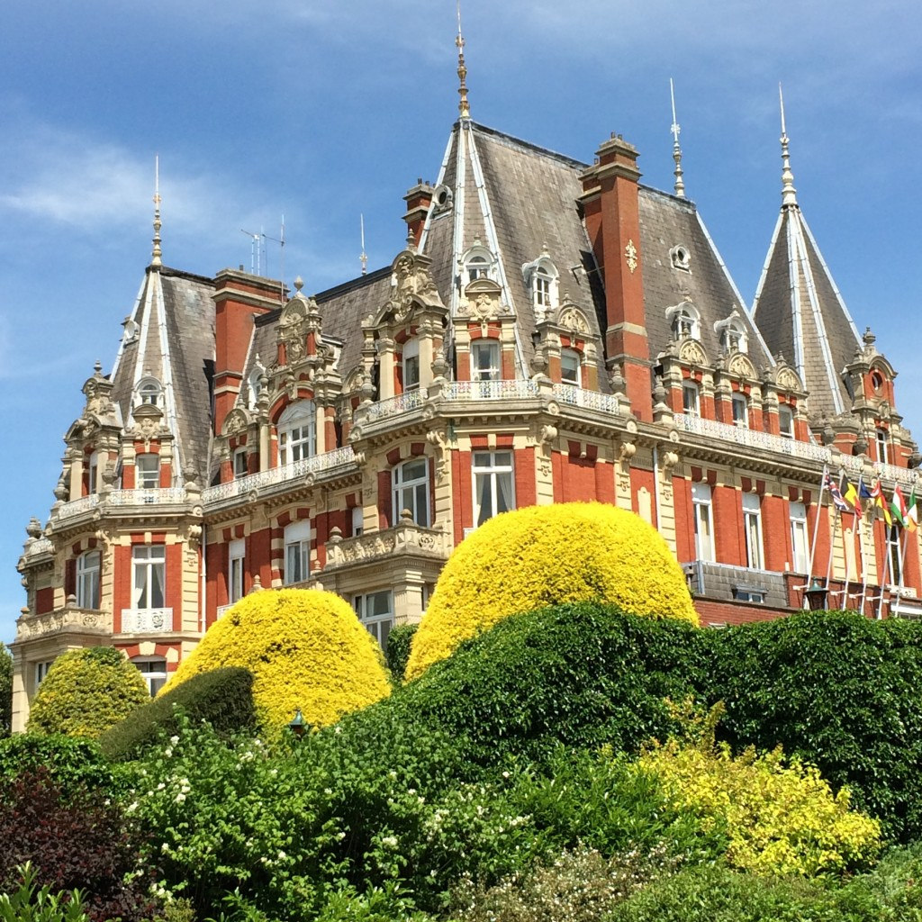 Chateau Impney, Work, 365