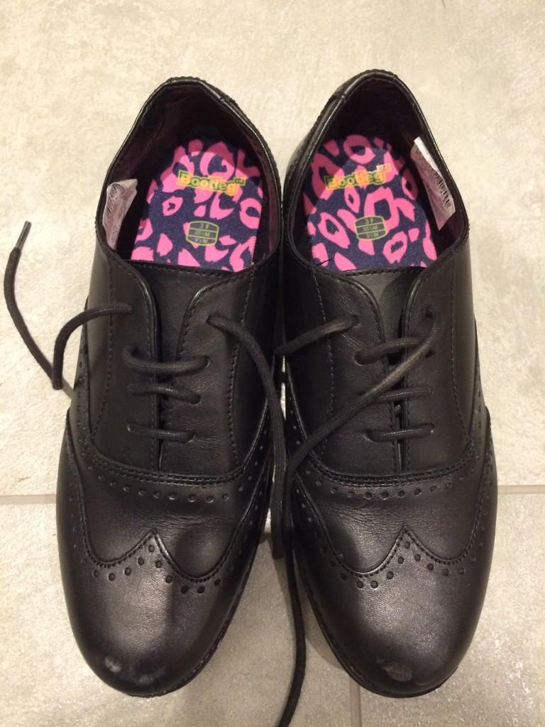 School shoes, Daughter, School