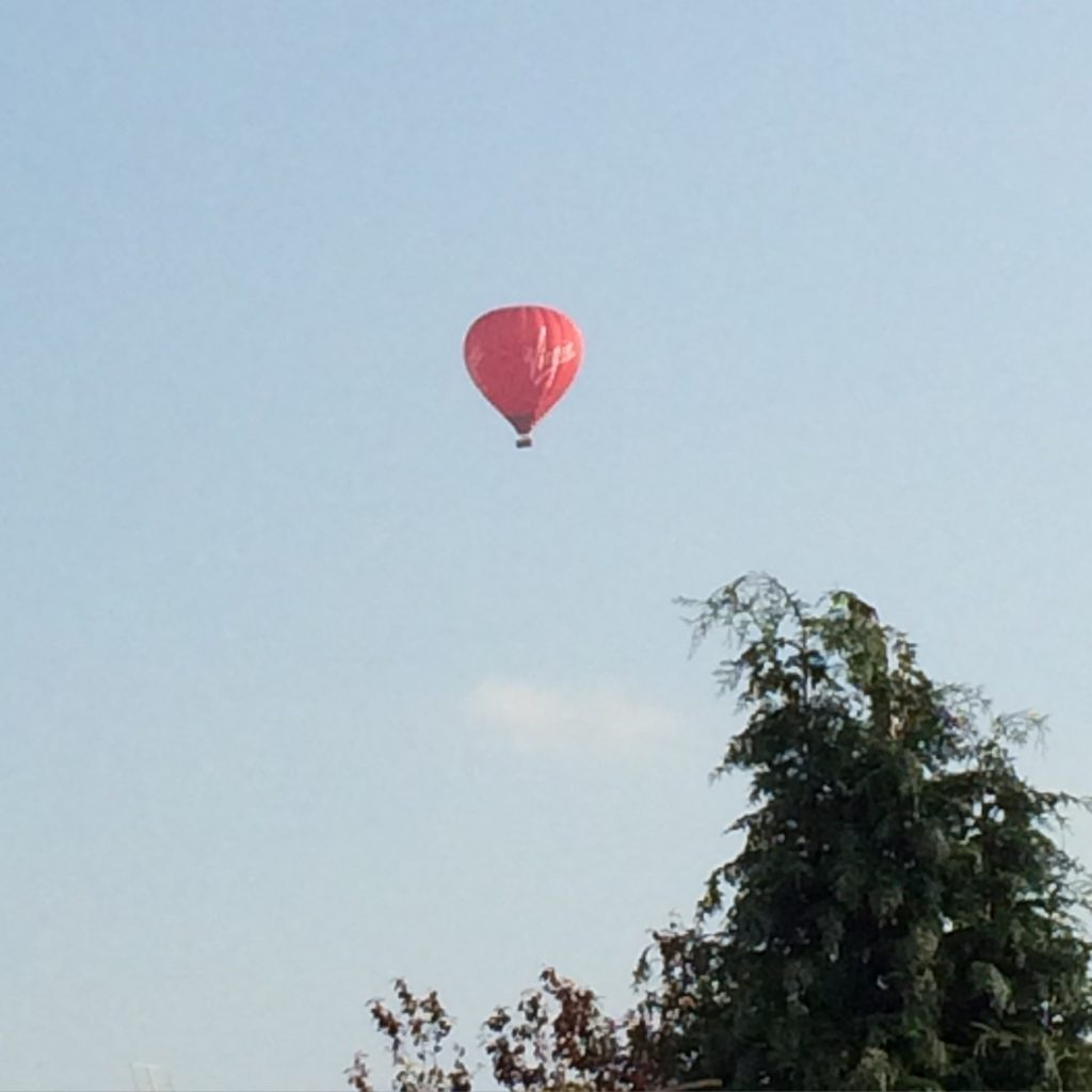 Hot air balloon, 365, 366