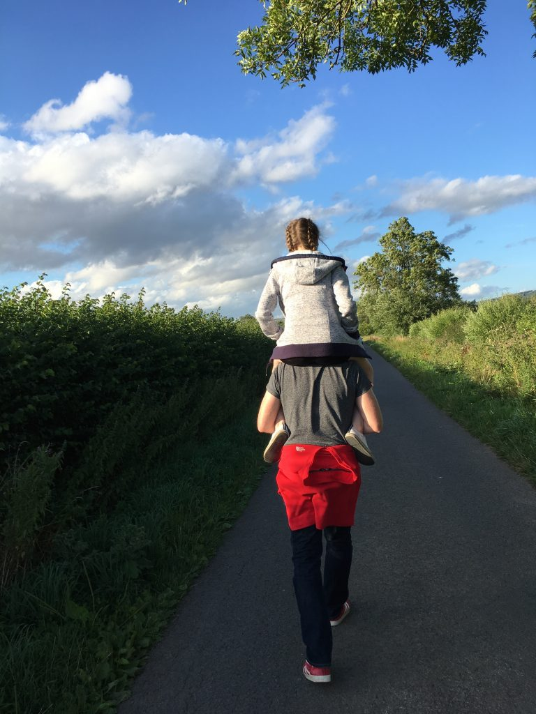 Daddy, Daughter, Shoulder ride, 365