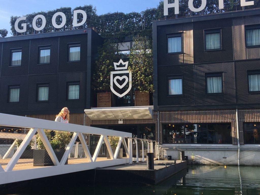 Good Hotel, A flying visit to London, London, Docklands, East London, Thames