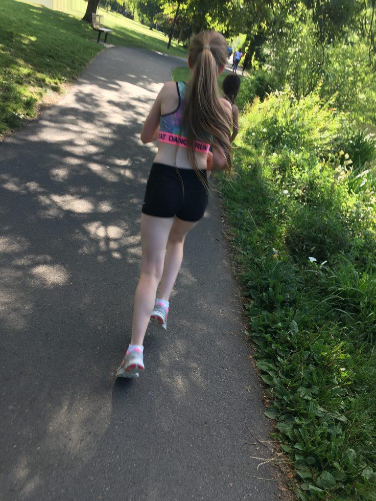 Daughter, Running, Tween, Hot pants, Crop top