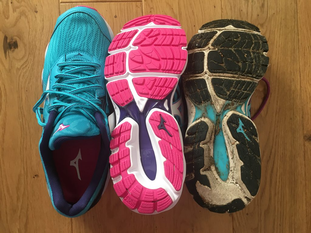 New trainers, Old trainers, Mizuno Wave Inspire, 365