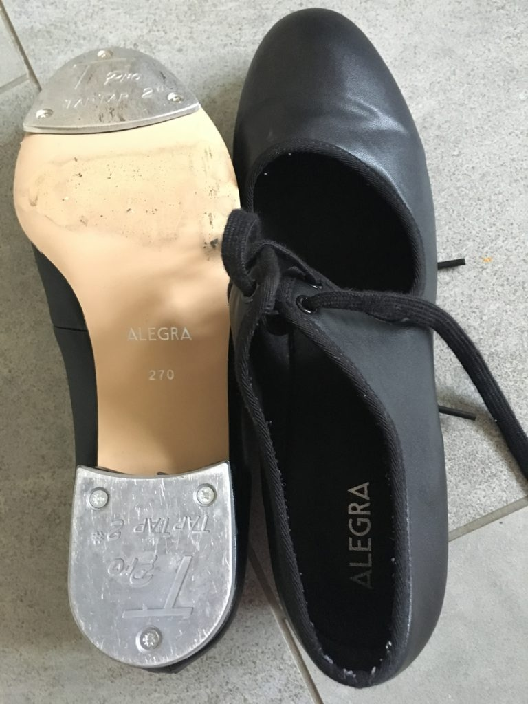 Tap shoes, Tap dance, 365