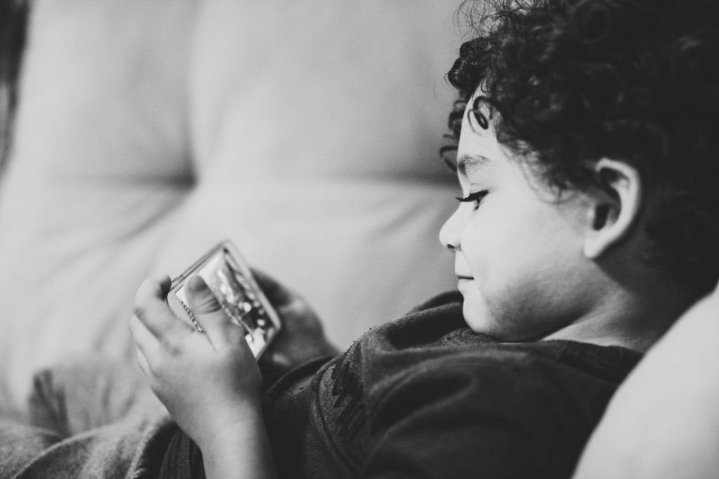 Child, Smartphone