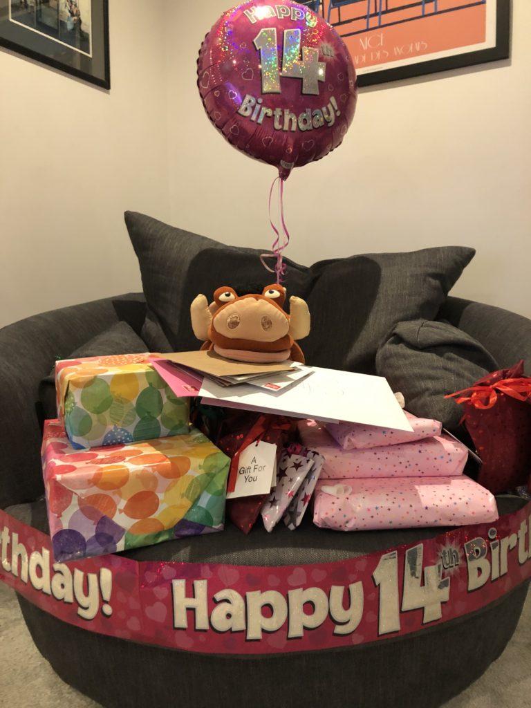 Birthday, Presents, Balloon, 14th birthday, Silent Sunday, My Sunday Snapshot
