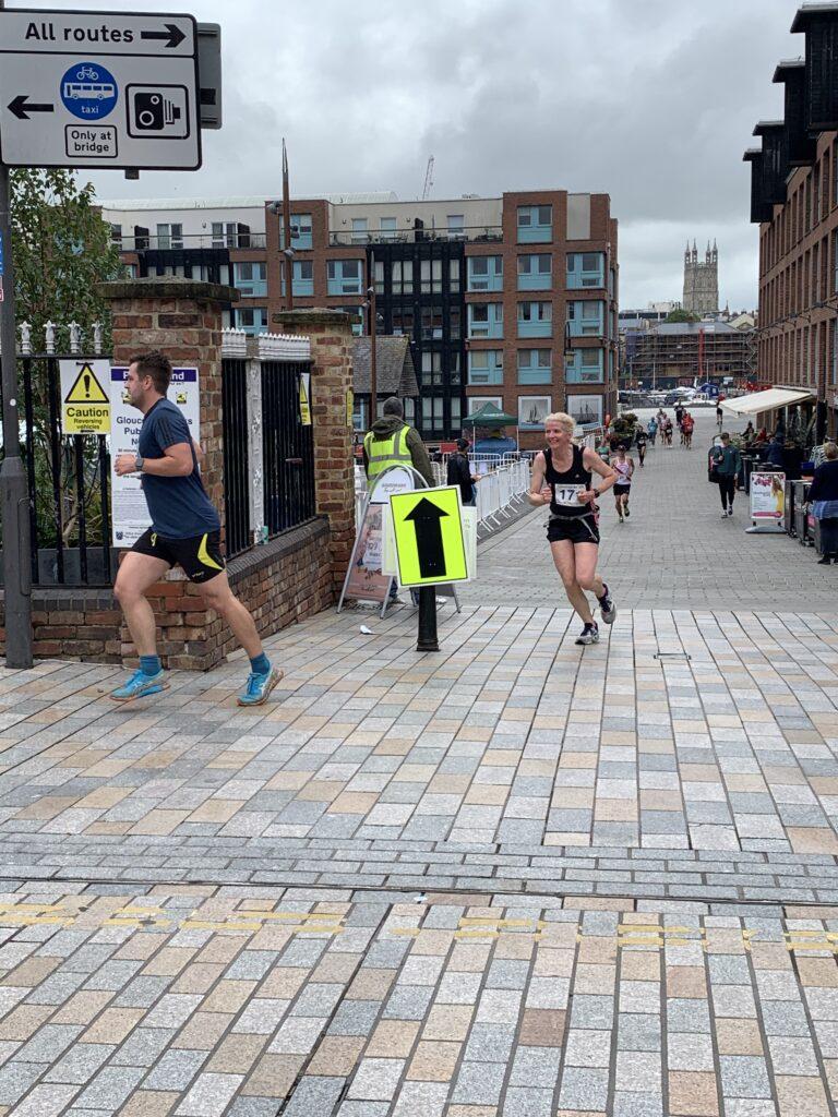 Gloucester 10k, Gloucester Docks, Gloucester Quays, Gloucester cathedral, Running, Runner